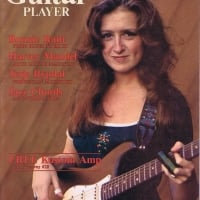 Bonnie Raitt - Guitar Player - May 1977 Cover photo by Neil Zlozower