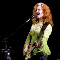 Bonnie Raitt and her band performed last night at the Waikiki Shell - Saturday, January 6, 2007 © FL Morris