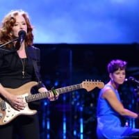 Bonnie Raitt and Alicia Keys perform on stage during Black Ball Redux at The Apollo Theater on December 6, 2012 in New York City.  © Stephen Lovekin /Child12/WireImage