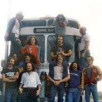 The entire Bonnie Raitt Band 1975 - Tony Perrone Freebo Will McFarlane Dennis Whitted Joel Silverman Bonnie Raitt #thebus