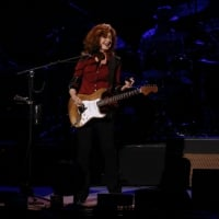 Bonnie Raitt at the Carpenter Theatre at Dominion Arts Center, Wednesday, March 10, 2016. © JAMES WALLACE/TIMES-DISPATCH