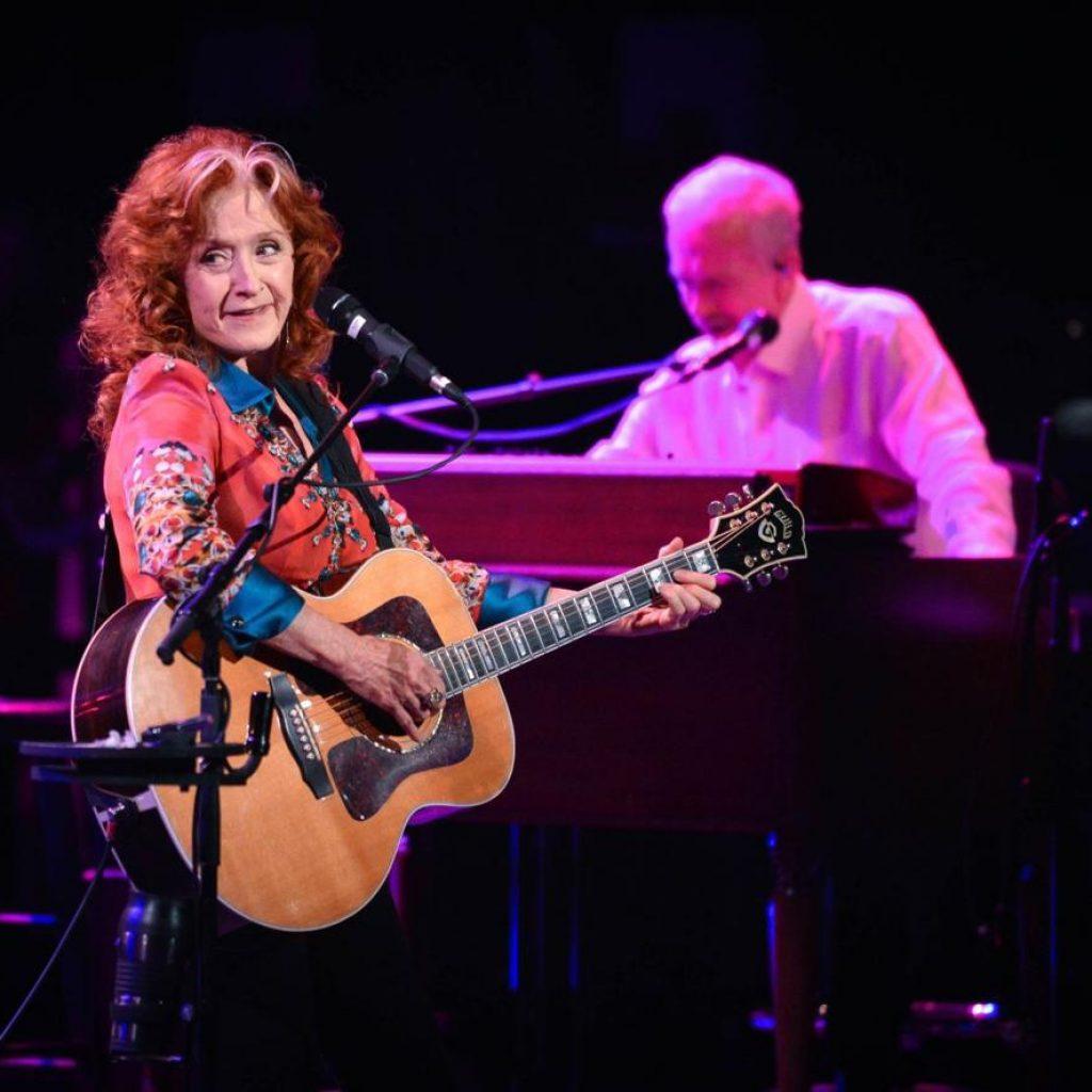 Bonnie Raitt 'savors every moment' at Alberta Bair Theater
