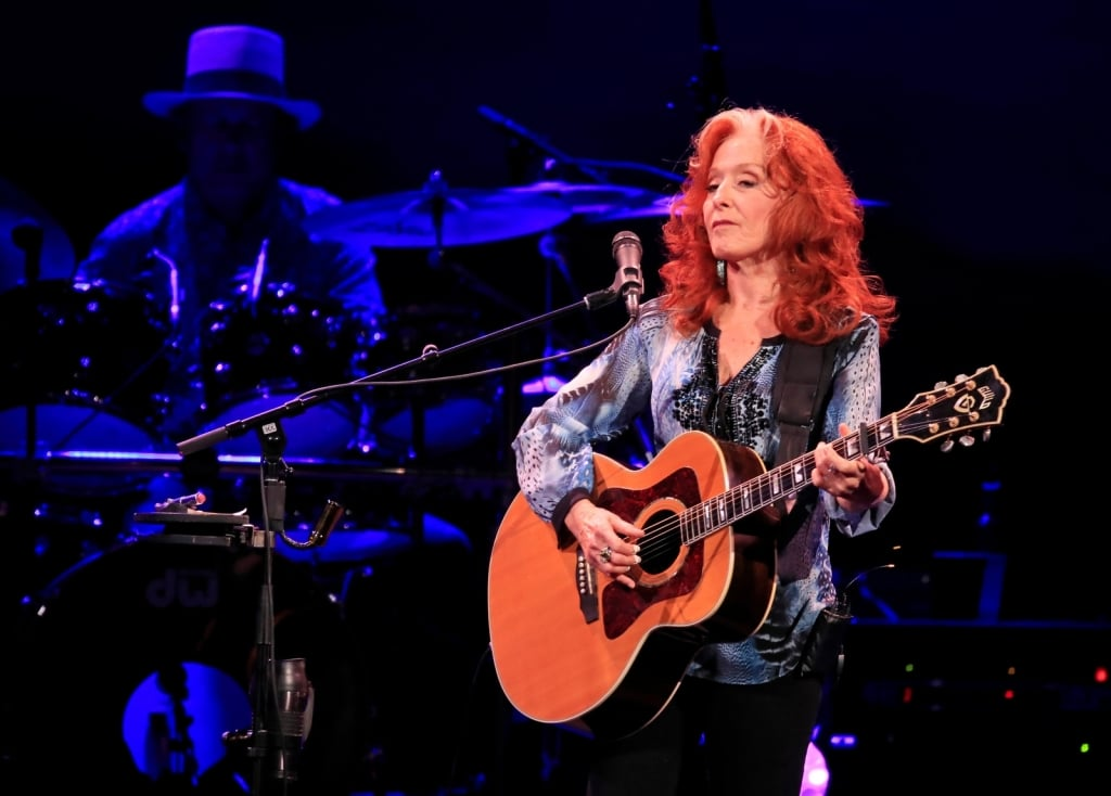 James Taylor, Bonnie Raitt serenade KeyBank Center