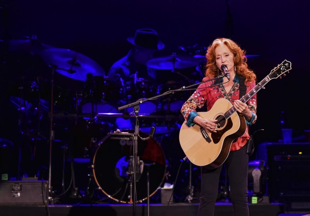 James Taylor, Bonnie Raitt provide comfort and joy at TaxSlayer show