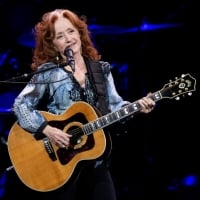 Bonnie Raitt performs in concert on Wednesday, Feb. 20, 2019, at Pinnacle Bank Arena - Lincoln   © Francis Gardler (Journal Star)